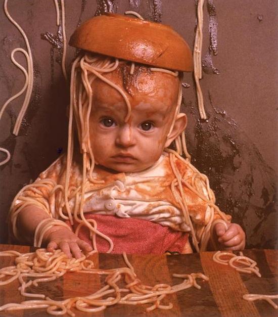 baby_w_spaghetti_mess_498794